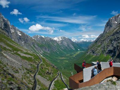 Trollstigen: spectaculaire bergweg met geweldige uitzichten