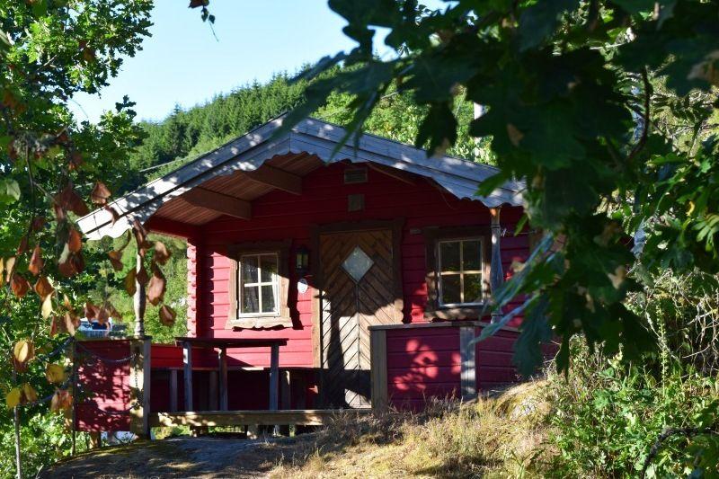 Knusse hytter op Bakkaano Camping & Gjestegard