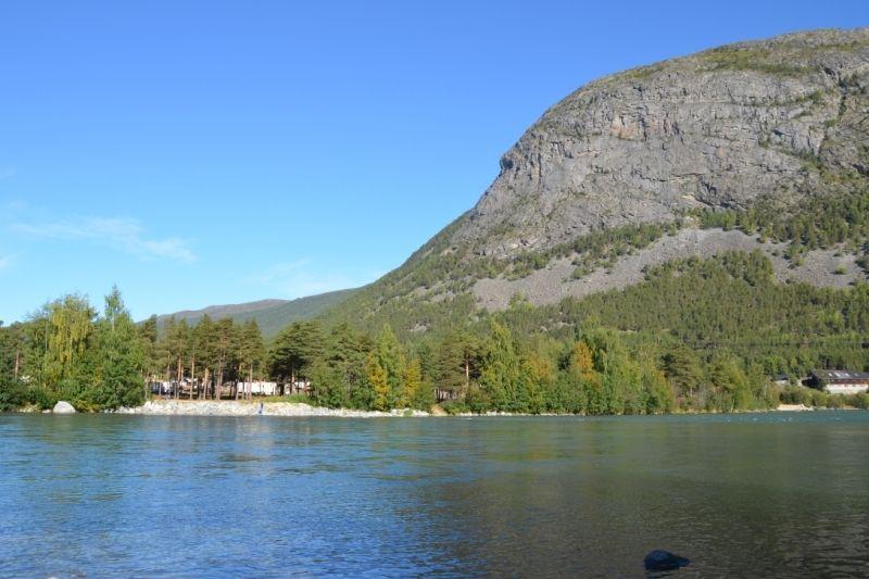Bispen Camping ligging aan rivier Otta