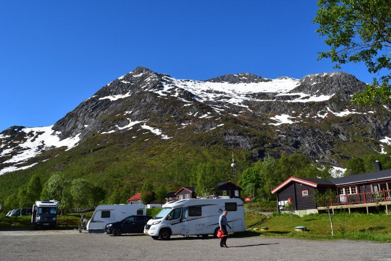 Gullesfjord Camping Kampeerplaatsen en uitzicht