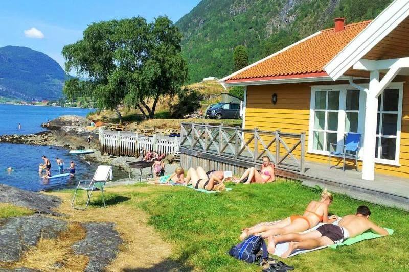 Kjornes Camping Sogndal zwemmen en zonnen