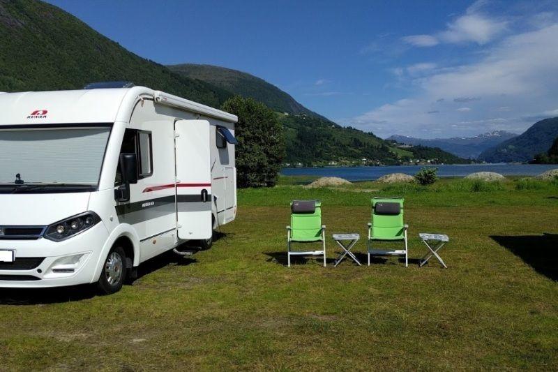 Lo-Vik Camping aan het fjord
