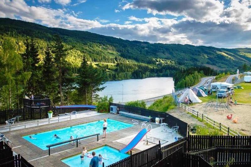 PlusCamp Rustberg Camping zwembad met glijbaan