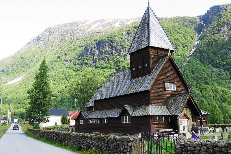 Roldal Hyttegrend og Camping staafkerk