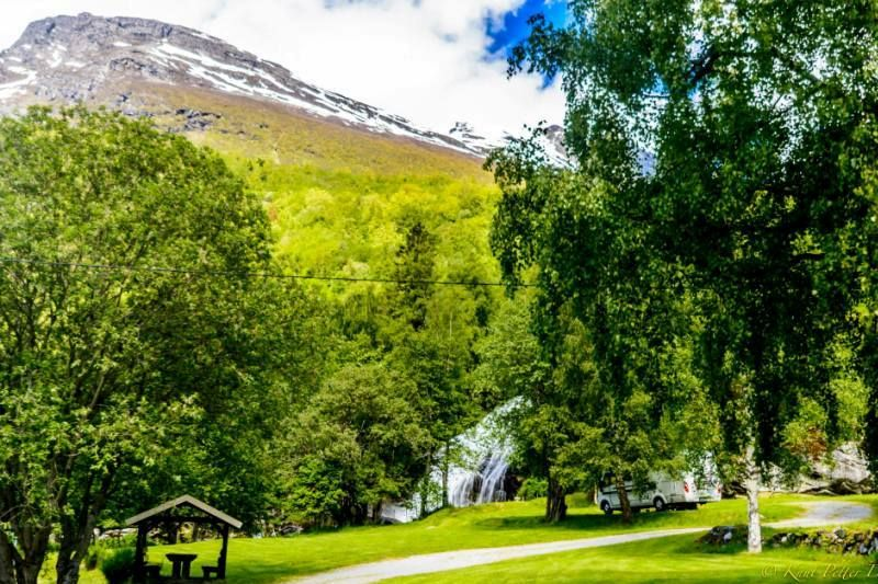 Vinje Camping Geiranger Kampeerplaatsen en waterval